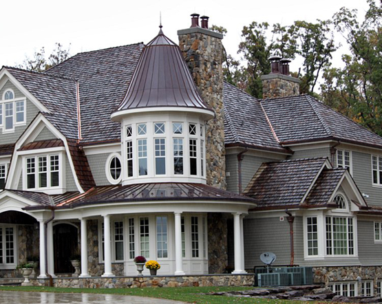Our siding construction company also has great expertise when it comes to  the design and construction of stone siding walls.